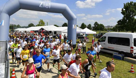 Annual Airport Run attracts record field of 1000 runners